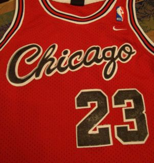 Michael Jordan 23 Chicago Bulls Nike Jersey Size Small NBA