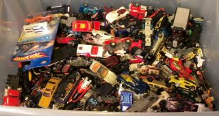 Huge Lot of Hot Wheels Vehicles Over 31 Pounds of Hot Wheels