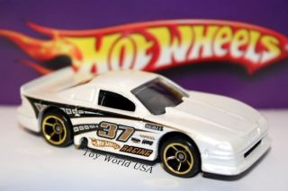 Hot Wheels 98 Ford Mustang Cobra 45th Anniversary Excl