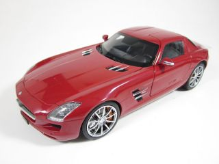 Mercedes Benz SLS AMG C197 rot red 118 Welly GTA Serie NEU & OVP