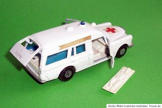 MATCHBOX Speed Kings K 26 Mercedes Binz Ambulance mit Bahre Superkings