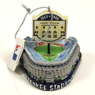 NEW YORK YANKEES Yankee STADIUM CHRISTMAS ORNAMENT (2.5 x