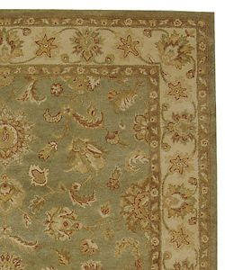 Handmade Antiquities Gem Green Wool Rug (96 x 136)